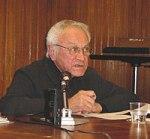 Roberto cerati parla agli studenti del Laboratorio di editoria dell'Università Cattolica nel maggio 2004